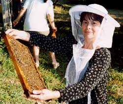 Mrs Malutaj, from Puka, Albania, is an enthusiastic member of the local Beekeepers' Association supported by Transrural.